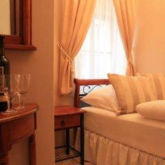 Отель Prague Golden Age Номер с общей ванной комнатой