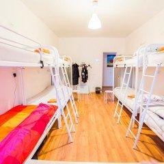 Хостел Online Кровать в общем номере с двухъярусной кроватью