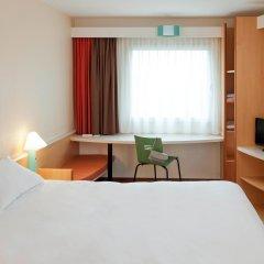 Отель ibis München City Nord Германия, Мюнхен - отзывы, цены и фото номеров - забронировать отель ibis München City Nord онлайн комната для гостей фото 2