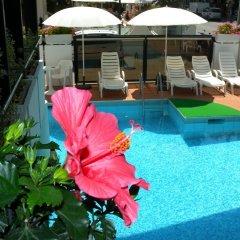 Отель Grand Meeting Италия, Римини - отзывы, цены и фото номеров - забронировать отель Grand Meeting онлайн бассейн