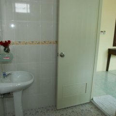 Отель Patong Palm Guesthouse ванная фото 6