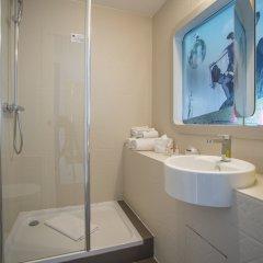 Отель Hôtel Le Marcel - Paris Gare de l'Est ванная