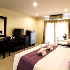 Отель Meesuk Place Номер Делюкс с разными типами кроватей