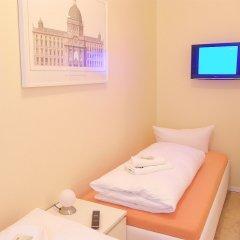 Отель City Guesthouse Pension Berlin 3* Семейный люкс с разными типами кроватей