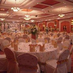 Carlton Palace Hotel банкетный зал