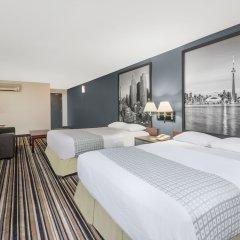 Отель Super 8 Downtown Toronto 2* Люкс с 2 отдельными кроватями