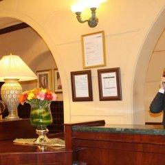 Carlton Palace Hotel вестибюль