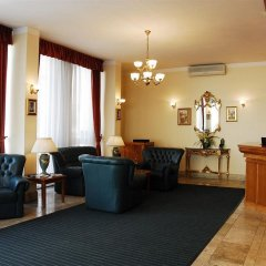 Отель BURG Будапешт вестибюль