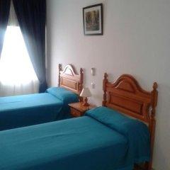 Отель Hostal Naya Стандартный номер с различными типами кроватей