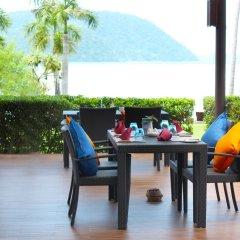 Отель The Vijitt Resort Phuket столовая на открытом воздухе фото 2