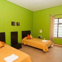 Отель Hostal Amigo Suites Стандартный номер