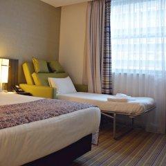 Отель Holiday Inn London Commercial Road 4* Стандартный семейный номер с двуспальной кроватью