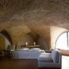 Отель N4U Guest House Florence 3* Люкс с различными типами кроватей