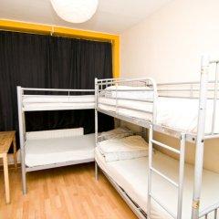 Отель Kensal Green Backpackers 1 Кровать в общем номере с двухъярусной кроватью