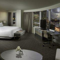 Отель Fontainebleau Miami Beach 4* Полулюкс с двуспальной кроватью
