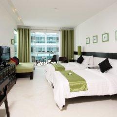 Отель The Old Phuket - Karon Beach Resort 4* Улучшенный номер с разными типами кроватей фото 7