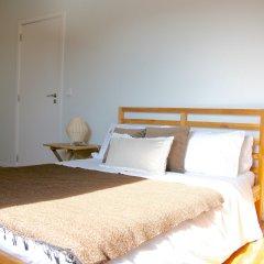 Отель YOURS GuestHouse Porto 4* Стандартный номер с двуспальной кроватью (общая ванная комната)