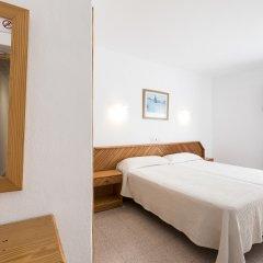 Отель Hostal Roca Стандартный номер с различными типами кроватей