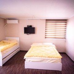YaKorea Hostel Hongdae Стандартный семейный номер с различными типами кроватей