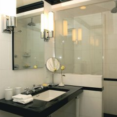 The Carlyle, A Rosewood Hotel Нью-Йорк раковина ванной комнаты