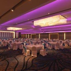 Отель Le Meridien Phuket Beach Resort банкетный зал фото 3