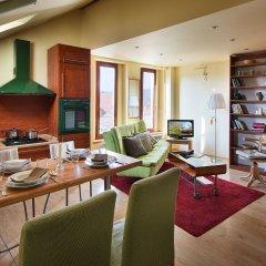 Отель Wishlist Old Prague Residences Улучшенные апартаменты с двуспальной кроватью