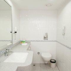 Holiday Inn Istanbul City Турция, Стамбул - отзывы, цены и фото номеров - забронировать отель Holiday Inn Istanbul City онлайн ванная
