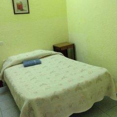 Отель Hostal Nilo Номер с общей ванной комнатой с различными типами кроватей (общая ванная комната)