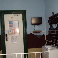 Отель The Flying Pig Uptown Стандартный номер с двуспальной кроватью (общая ванная комната) фото 2