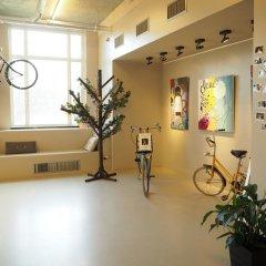 ClinkNOORD - Hostel Амстердам вестибюль фото 2
