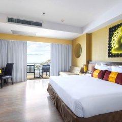 Отель D Varee Jomtien Beach 4* Представительский номер с различными типами кроватей фото 12