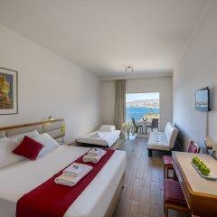 Queen's Bay Hotel 3* Стандартный семейный номер с двуспальной кроватью