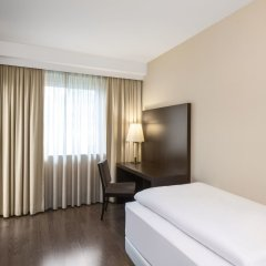 Отель NH Düsseldorf Königsallee 4* Стандартный номер с различными типами кроватей фото 4