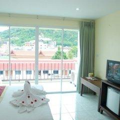 Отель Patong Palm Guesthouse комната для гостей фото 8