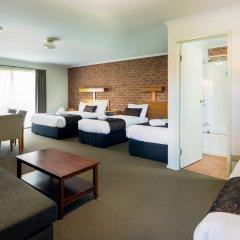 Отель Advance Motel 3* Кровать в общем номере с двухъярусной кроватью