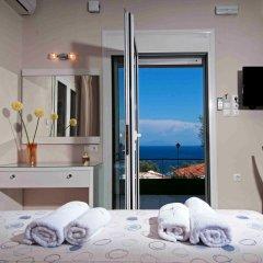 Апартаменты Brentanos Apartments ~ A ~ View of Paradise Студия Делюкс с различными типами кроватей