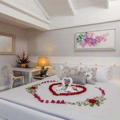 Отель Thavorn Beach Village Resort & Spa Phuket 4* Коттедж с различными типами кроватей