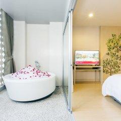 Отель Ramada by Wyndham Phuket Deevana Patong Полулюкс с различными типами кроватей фото 2