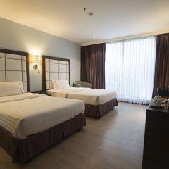 Отель Sukhumvit Suites 3* Улучшенный номер с различными типами кроватей фото 9
