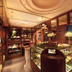 Отель Conrad Centennial Singapore сувенирный магазин