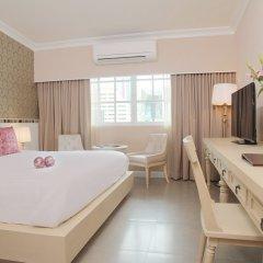 Отель The Raya Surawong Bangkok 4* Улучшенный номер