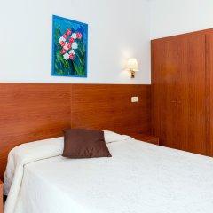Отель Sant March Стандартный номер разные типы кроватей
