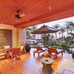 Отель Andara Resort Villas терраса/патио