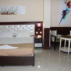 Mariana Hotel Стандартный семейный номер с двуспальной кроватью