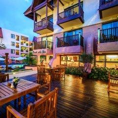 Seaview Patong Hotel терраса/патио