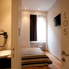 Отель Hostal Bcn 46 Стандартный номер с различными типами кроватей