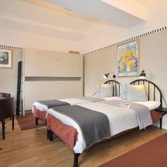Отель Långholmen Hotell 3* Стандартный номер с двуспальной кроватью