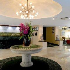 Отель Courtyard By Marriott Cancun Airport ресепшен