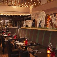 Отель Anantara The Palm Dubai Resort гостиничный бар фото 2