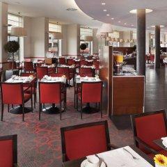 Отель Meliá Berlin место для завтрака